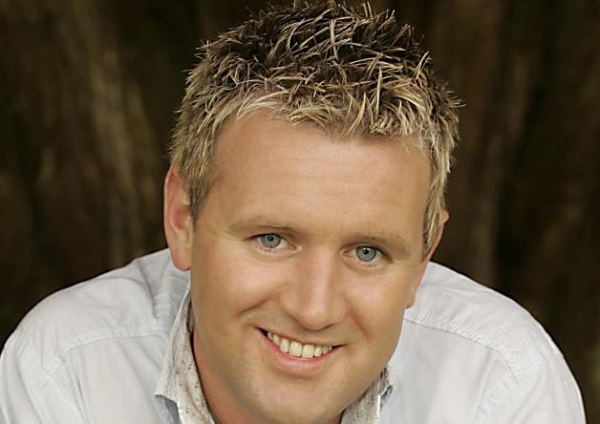 A fundraising night with Mike Denver Friday 15th June Carrickdale hotel