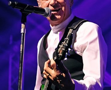 Music | Francis Rossi: I Talk Too Much ~ An Táin Arts Centre